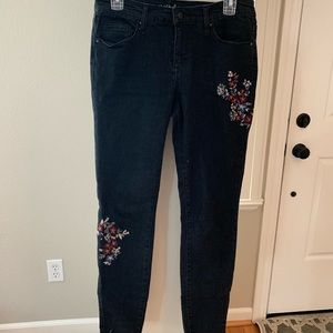 Mossimo gray/black embroidered floral jeans